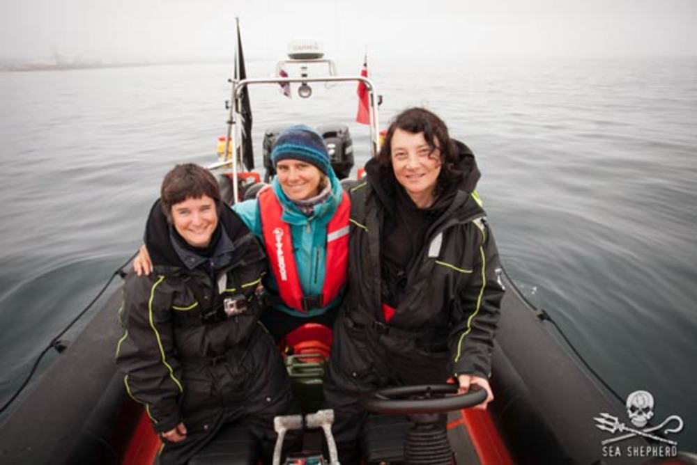 Thumb news 160801 1 3 crew of mv spitfire on operation grindstop 2014 550w